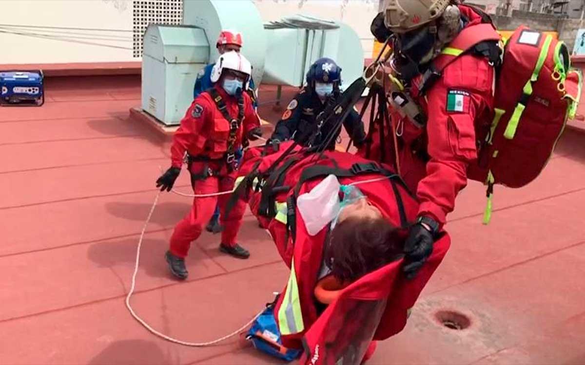 #Video Rescatan Relámpagos a 5 pacientes del IMSS en Hidalgo