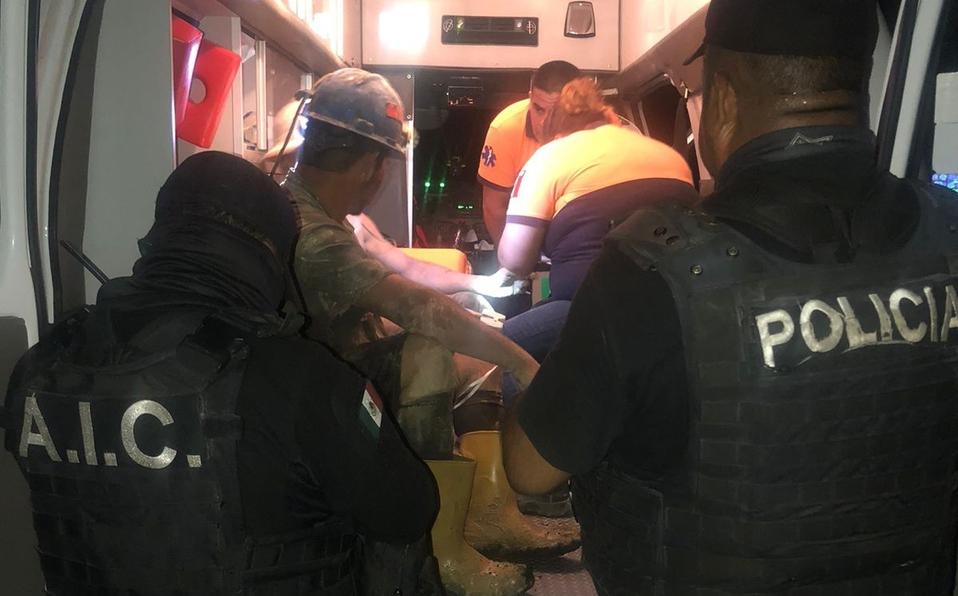 Rescatan a trabajadores de mina en Coahuila tras quedar atrapados
