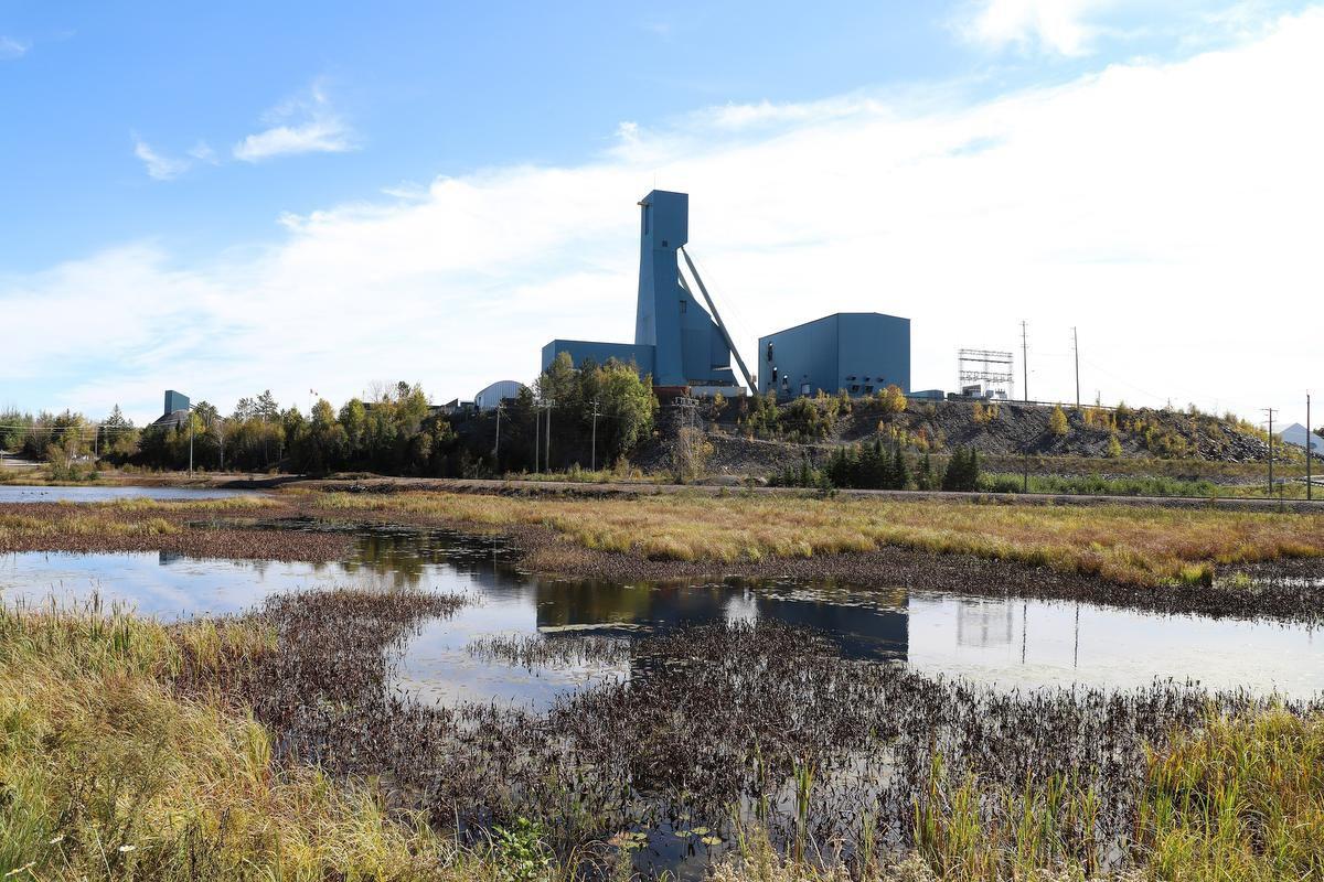 Quedan atrapados 39 trabajadores en una mina de Canadá