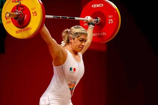 Aremi Fuentes, medallista olímpica, denuncia que recibió un cheque sin fondos