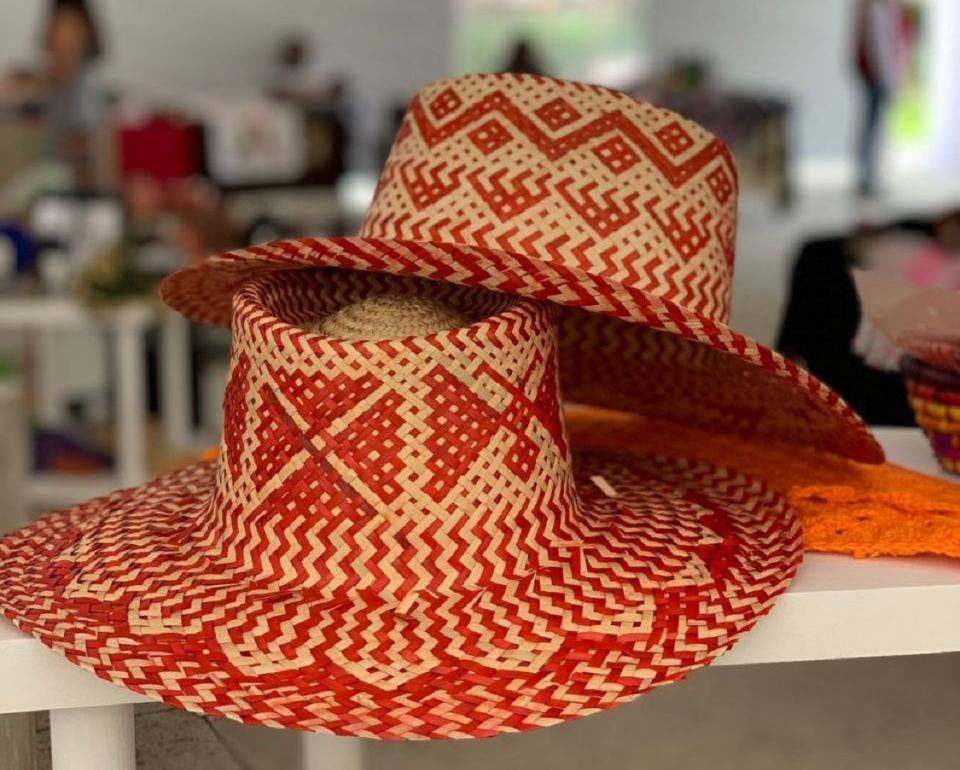 Lanza IIFAEM línea artesanal con causa a favor de las Mexiquenses
