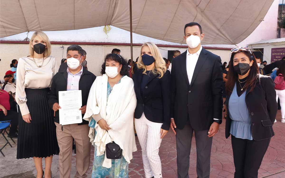 Celebra Huixquilucan 13 uniones civiles comunitarias