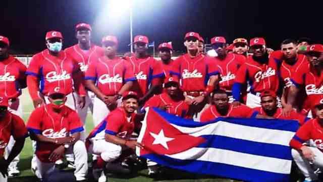 Beisbolistas cubanos abandonan la concentración