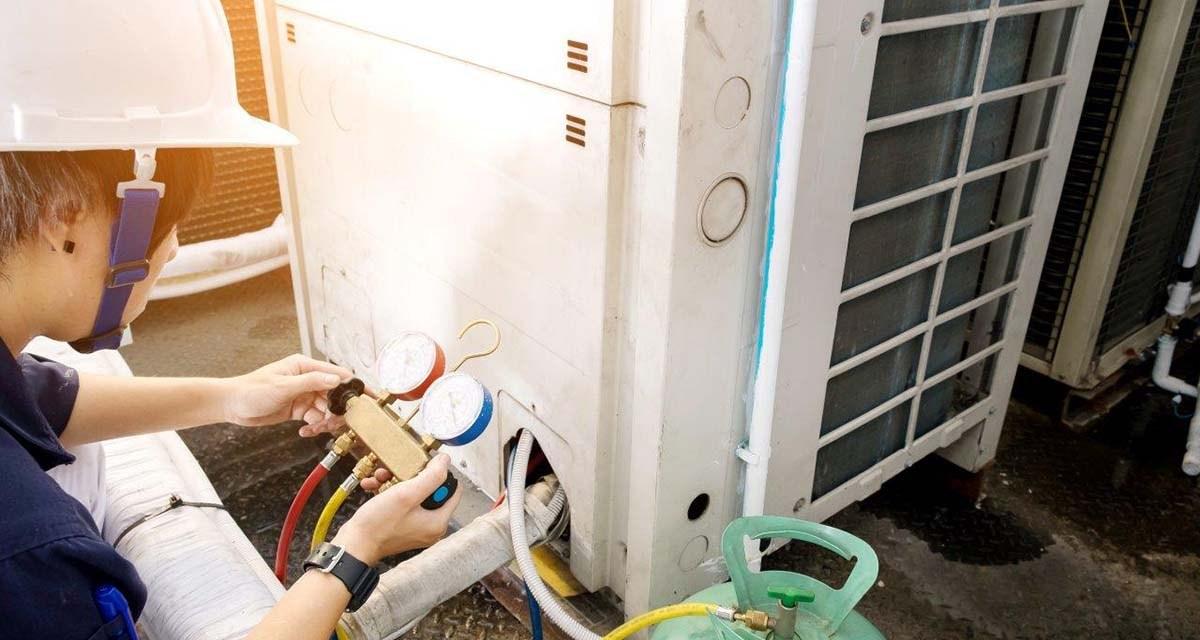 Carga de refrigerante, uma operação delicada