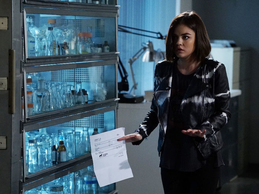 Of course Aria finds a way to make a black moto jacket look totally one of a kind with a cool tie-dye print.