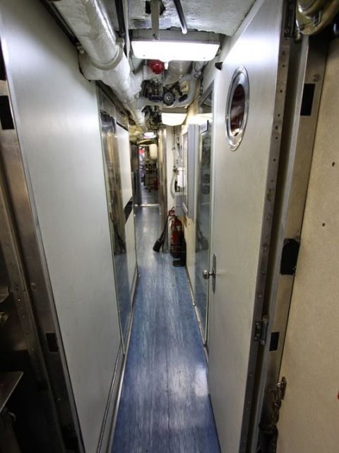 Морской музей Сан-Диего. USS Dolphin. Внутренние проходы