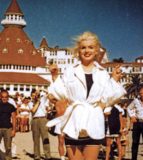 Мэрилин Монро на фоне Hotel del Coronado