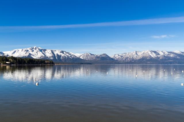 Озеро Тахо (Lake Tahoe) и горы Сюерра-Невада (Sierra Nevada)