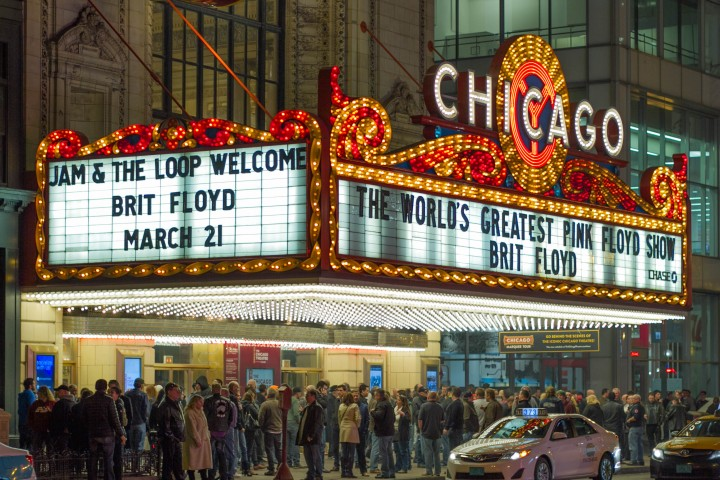 Вывеска театра Чикаго