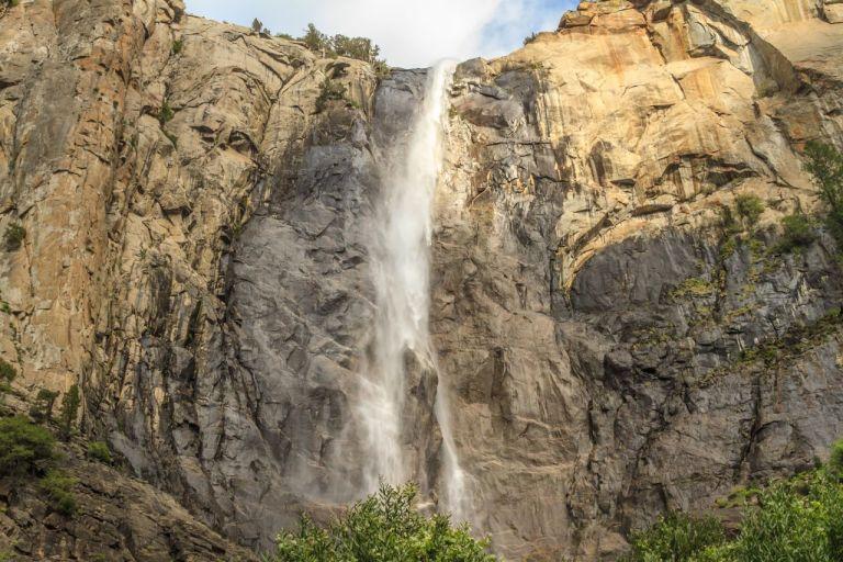 Парк Йосемити. Водопад BridalVeil