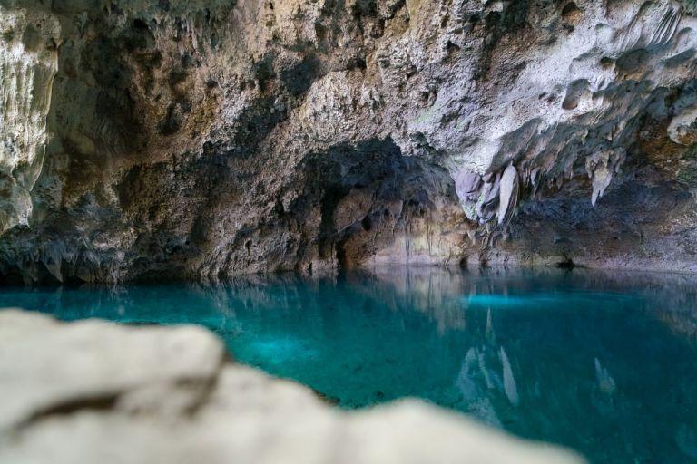 Санто-Доминго. Пещерные озера