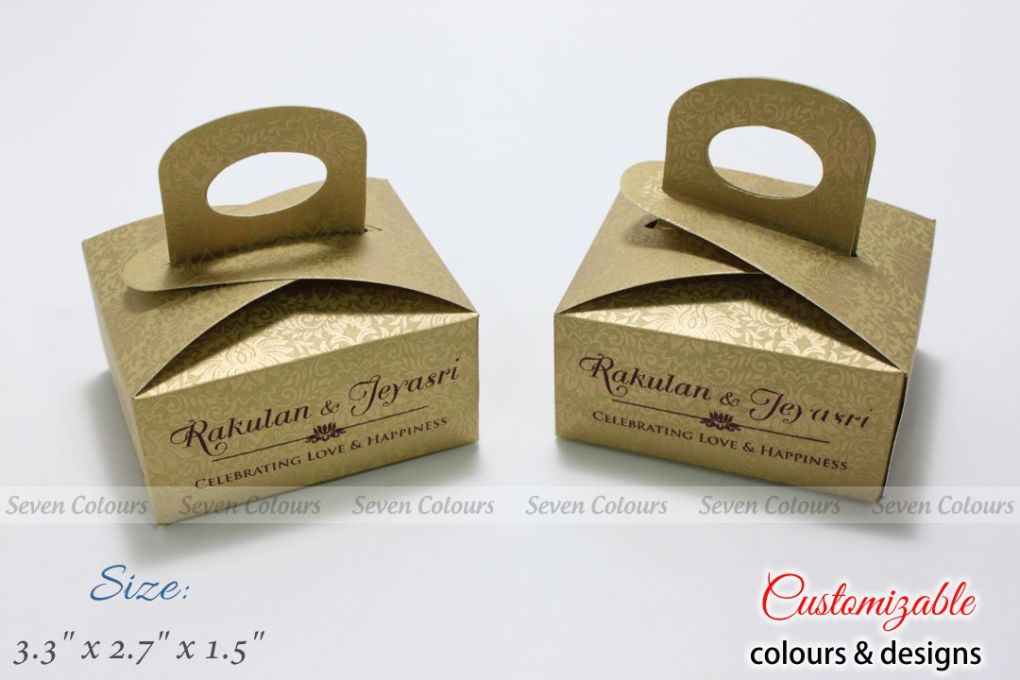 rich cake box with handle in light golden design print