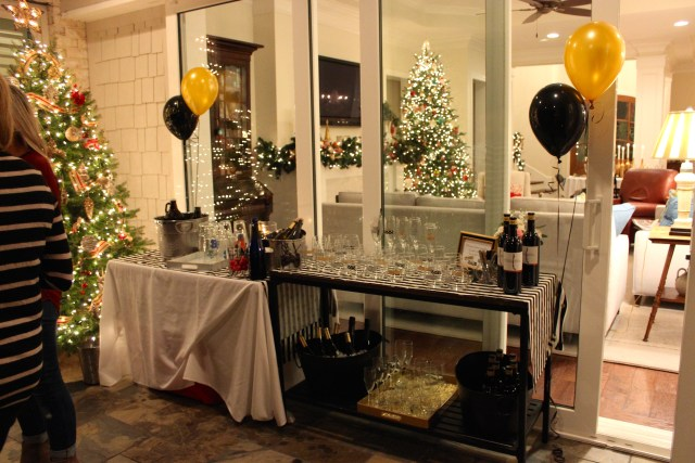 beer and wine bar, 30th birthday party, black and gold decor