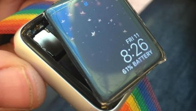 Photo of Apple SmartWatch's battery flows, company refuses to issue warranty, lawsuit filed by customer