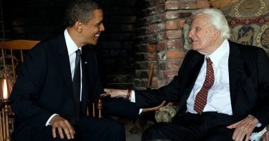 800px-Barack_Obama_and_Billy_Graham