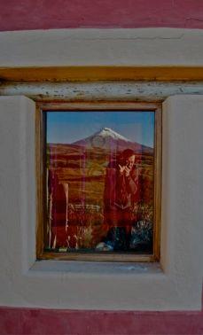 Jeremy snapping Volcan Cotopaxi, Ecuador
