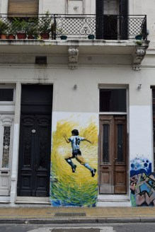 Maradona graffiti