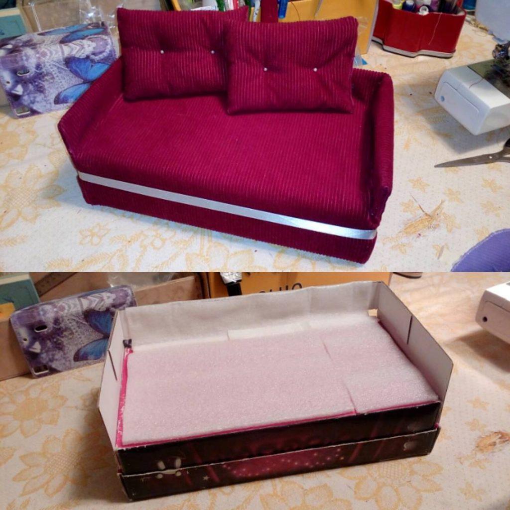 Puppet Sofa Cardboard.
