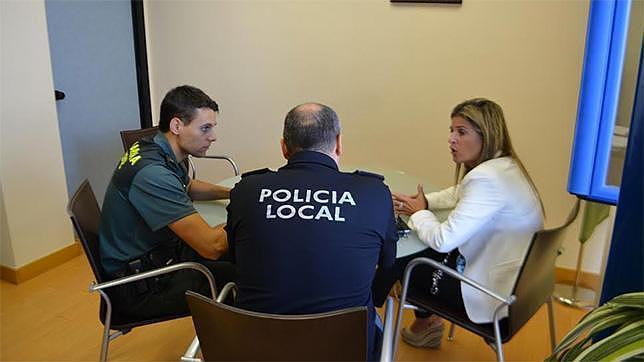 La Policía Local y la Guardia Civil, más unidos para mejorar la seguridad en Bormujos