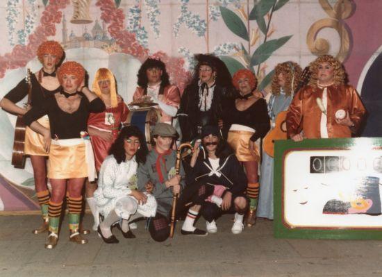 2-undostres-1984