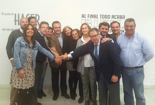 Grupo municipal del PP tras la elección de Alberto Díaz como portavoz