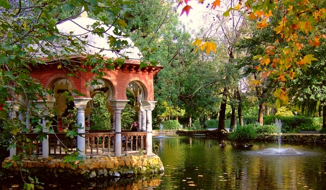 Sevilla-templete-parque-María-Luisa
