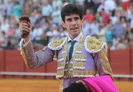 carlos marquez/26/09/2015 sevilla/andalucia toros. corrida de san miguel. lopez simon en su segundo.