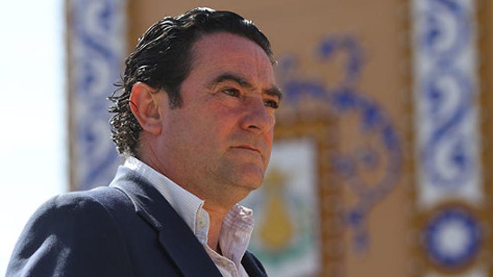 Llora Sevilla en el adiós a un gran hijo