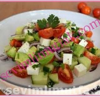 Peynirli Avokado Salatası Nasıl Yapılır?