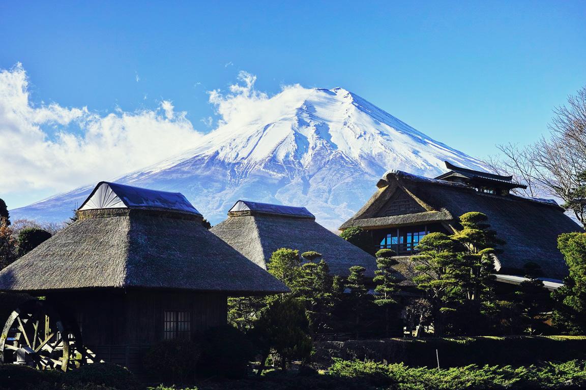 Iyashi-no-sato-lago-saiko-Monte-Fuji