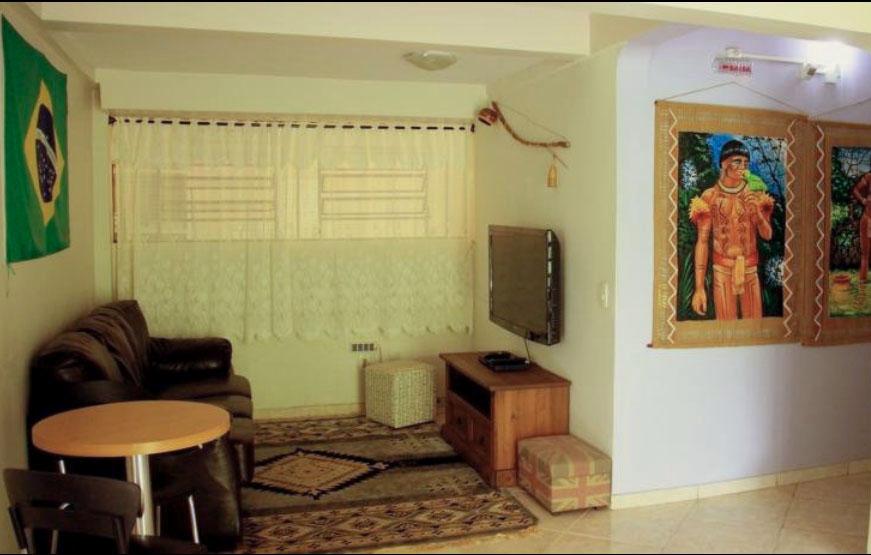 sala de tv Iguassu Guest House