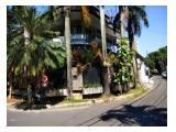 Disewakan Rumah 2 Lantai di Jakarta Selatan - 4 KM LB 250m2 Strategis