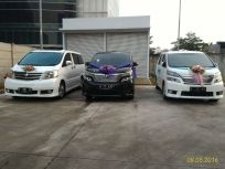 rental_alphard_termurah_jakarta_wedding_car_decorasi_unik
