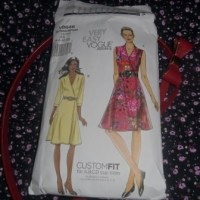 Very Easy Vogue Pattern V8646 - Sleeveless Wrap Dress