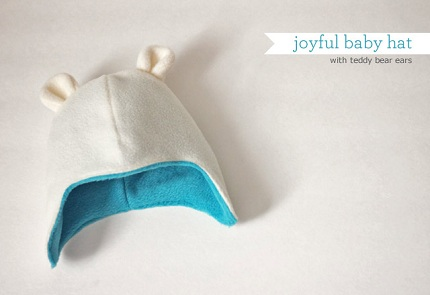 Free pattern: Teddy bear baby hat with ear flaps