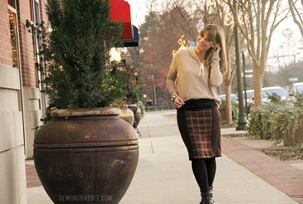 Tutorial: Paneled pencil skirt with a yoga waistband
