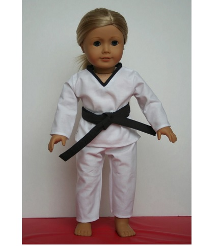 "Free pattern: Taekwondo uniform for an 18"" doll"