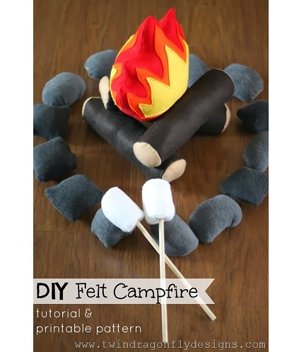 Free pattern: Felt campfire play set