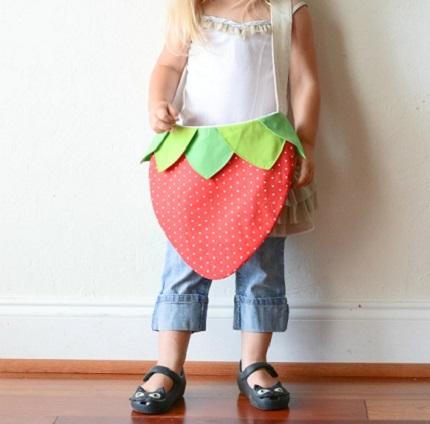 Free pattern: Strawberry bag