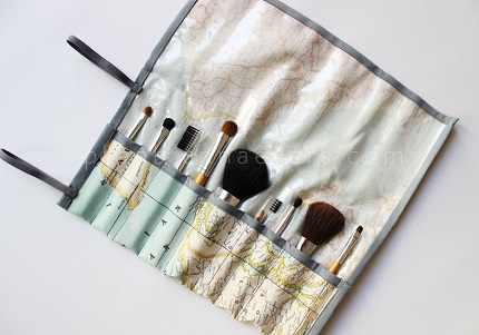 Tutorial: Make-up brush roll with a wipe-clean lining