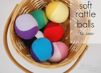 Free pattern: Soft rattle ball baby toy