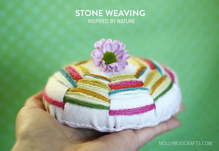 Tutorial: Woven felt and stone paperweights
