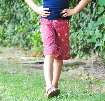 Tutorial: 15-minute kids bandana shorts
