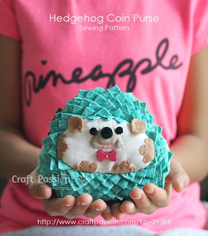 Free pattern: Adorable hedgehog coin purse
