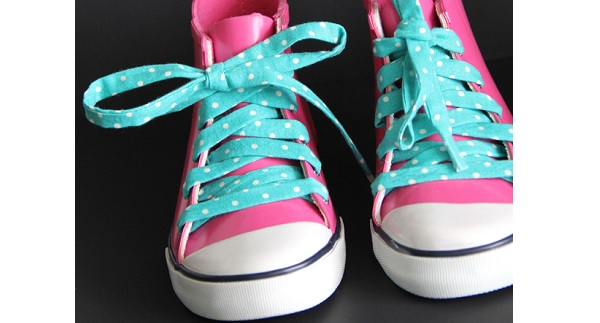 Tutorial: DIY fabric shoelaces