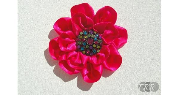 Tutorial: Folded ribbon flower 3 ways