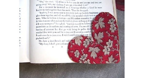 Free Pattern Heart Corner Bookmark Sewing