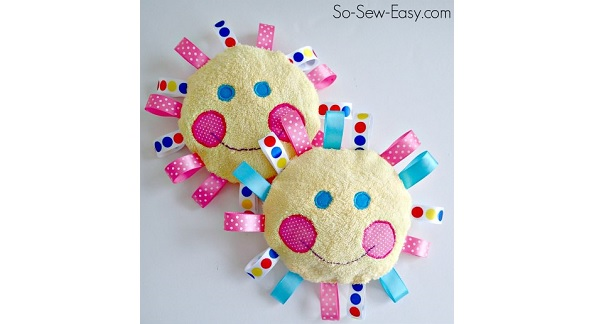 Free pattern: Happy sunshine baby toy