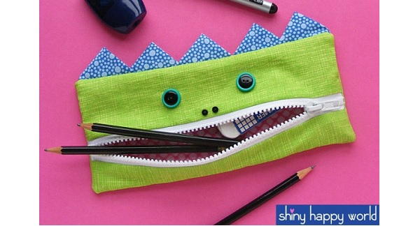 Free pattern: The Gobbler pencil eating pencil pouch