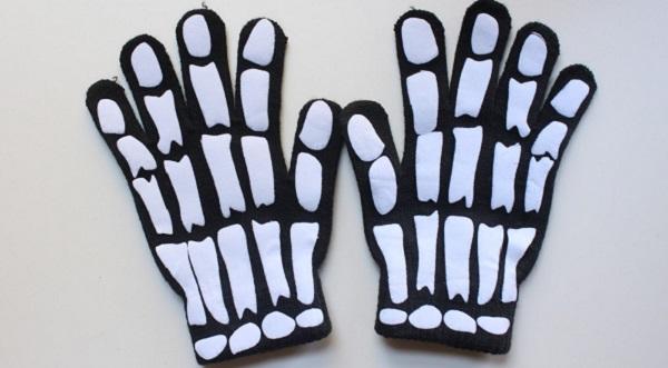 Tutorial: DIY skeleton gloves
